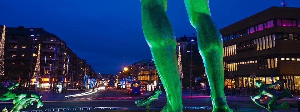 Göteborgs huvudgatan Kungsportsavenyn i juletid.