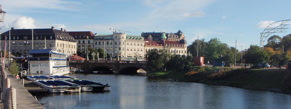 Vallgraven och Kungsportsbron - delar av befästningarna som revs på 1800-talet.